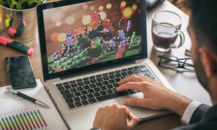 Five Amazing Reasons to Play Online Casino Games
