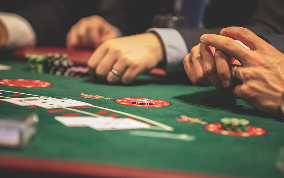 Learn How to Play Free Bet Blackjack in Casino