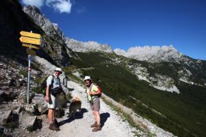 downhill hiking tips