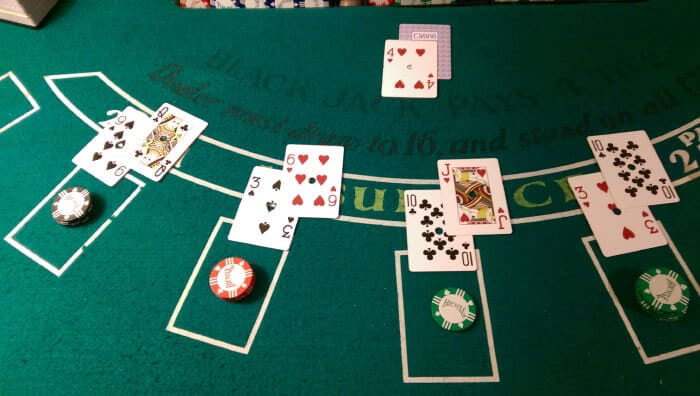 How to play casino blackjack 21