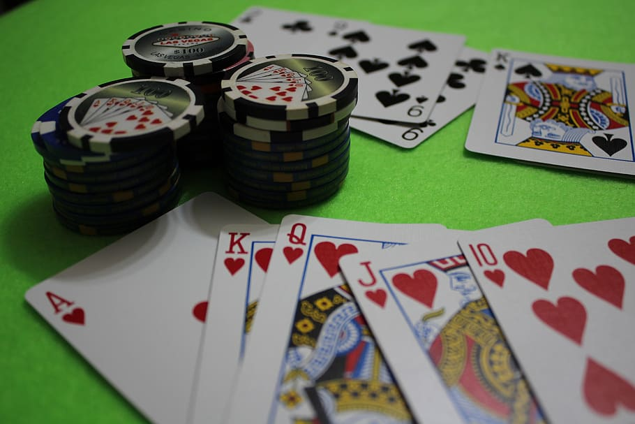 How to Play Let It Ride Casino Table Game?
