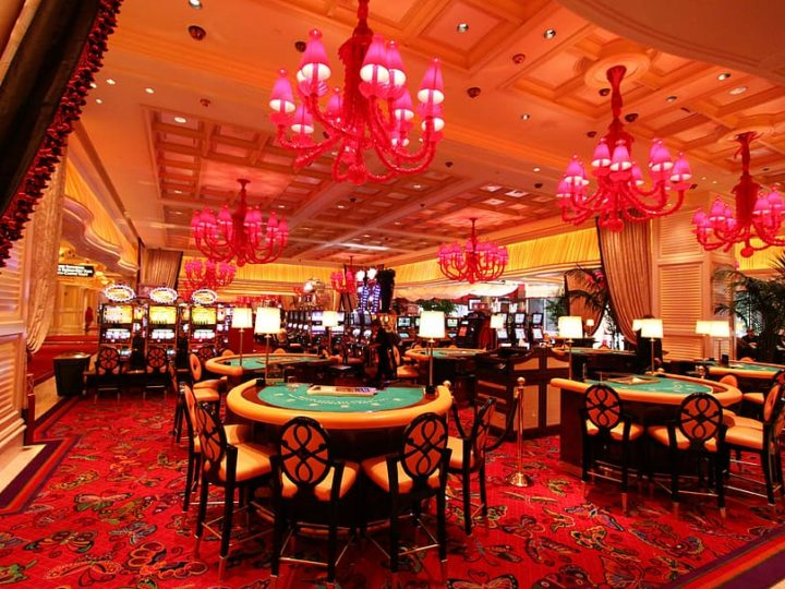 How Casinos Make Money: The Handle, House Edge & More?
