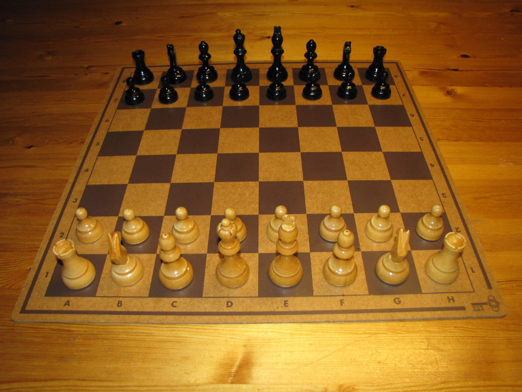 chess pieces set for chess beginners