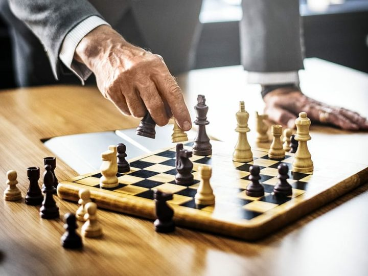 How To Play Chess For Beginners? Tips And Guides For Chess.