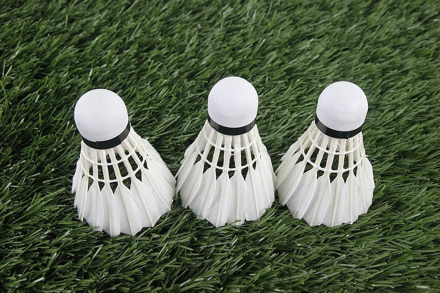 badminton birdie to play the game