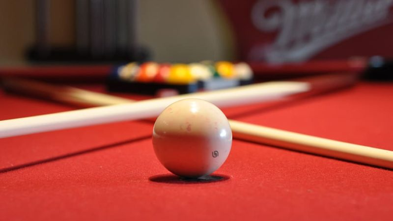 How to Play Pool – Tips for Beginners