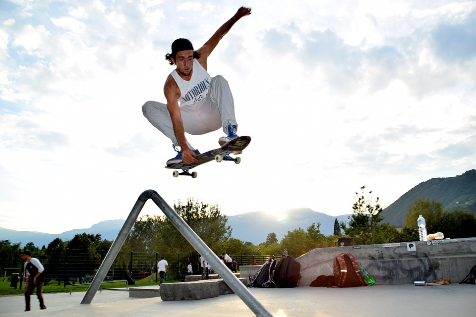 A Complete Guide on How to Skateboard for Beginners