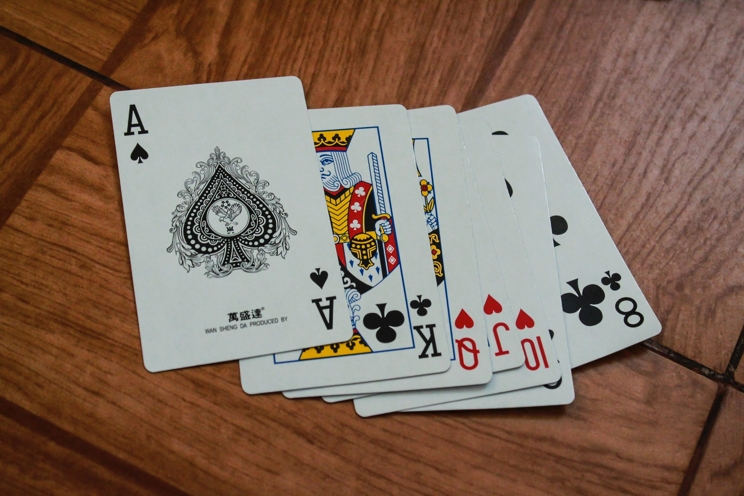 How to Play Spades? – Complete Card Game Rules to Play Spade